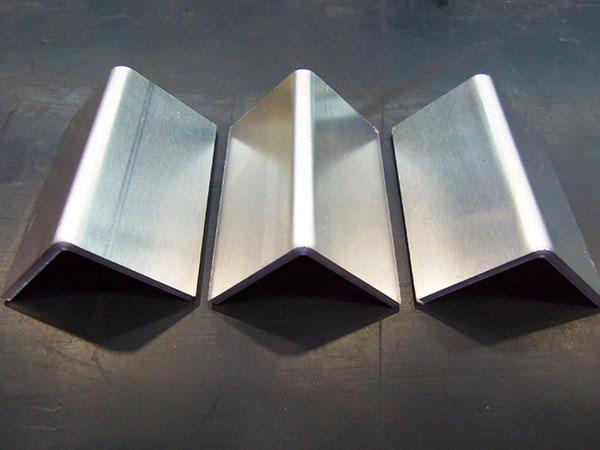 Lavorazione-metalli-in-acciaio-e-in-ferro-reggio-emilia